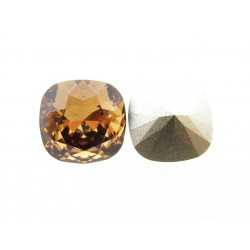 P2309-SWAROVSKI ELEMENTS 4470 Light Smoked Topaz Foiled 10mm