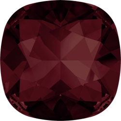 P2280-SWAROVSKI ELEMENTS 4470 Burgundy Foiled 10mm