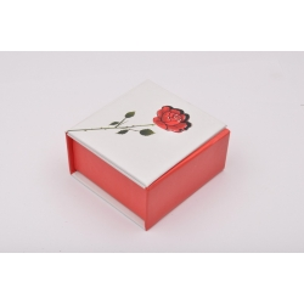 D165 - Cutiuta inel trandafir rosu-1 buc