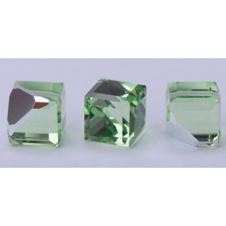 P1313-SWAROVSKI ELEMENTS 4841 Peridot Comet Arg. Light VZ 8mm