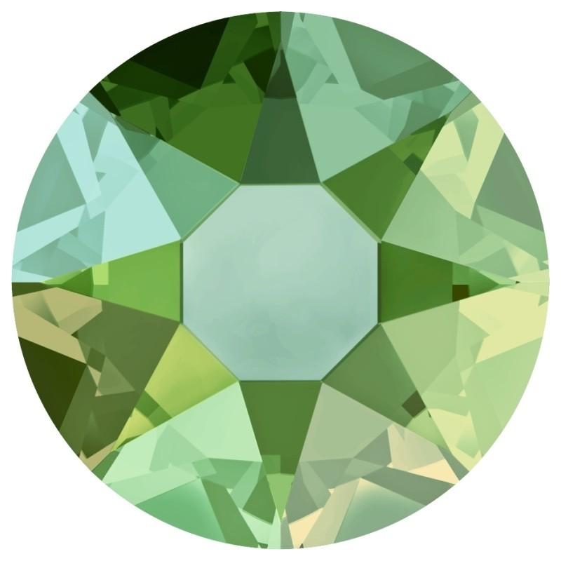 P2320-SWAROVSKI ELEMENTS 4470 Light Grey Opal Foiled 10mm