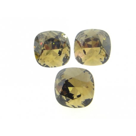 P2486-SWAROVSKI ELEMENTS 4470 Smokey Quart Foiled 12mm